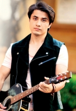 Ali Zafar from Shorshe Online