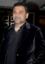 Anees Bazmee from Shorshe Online