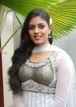 Shruti Sawant from Shorshe Online