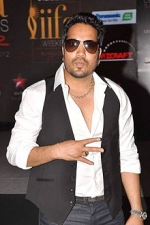 Mika Singh from Shorshe Online